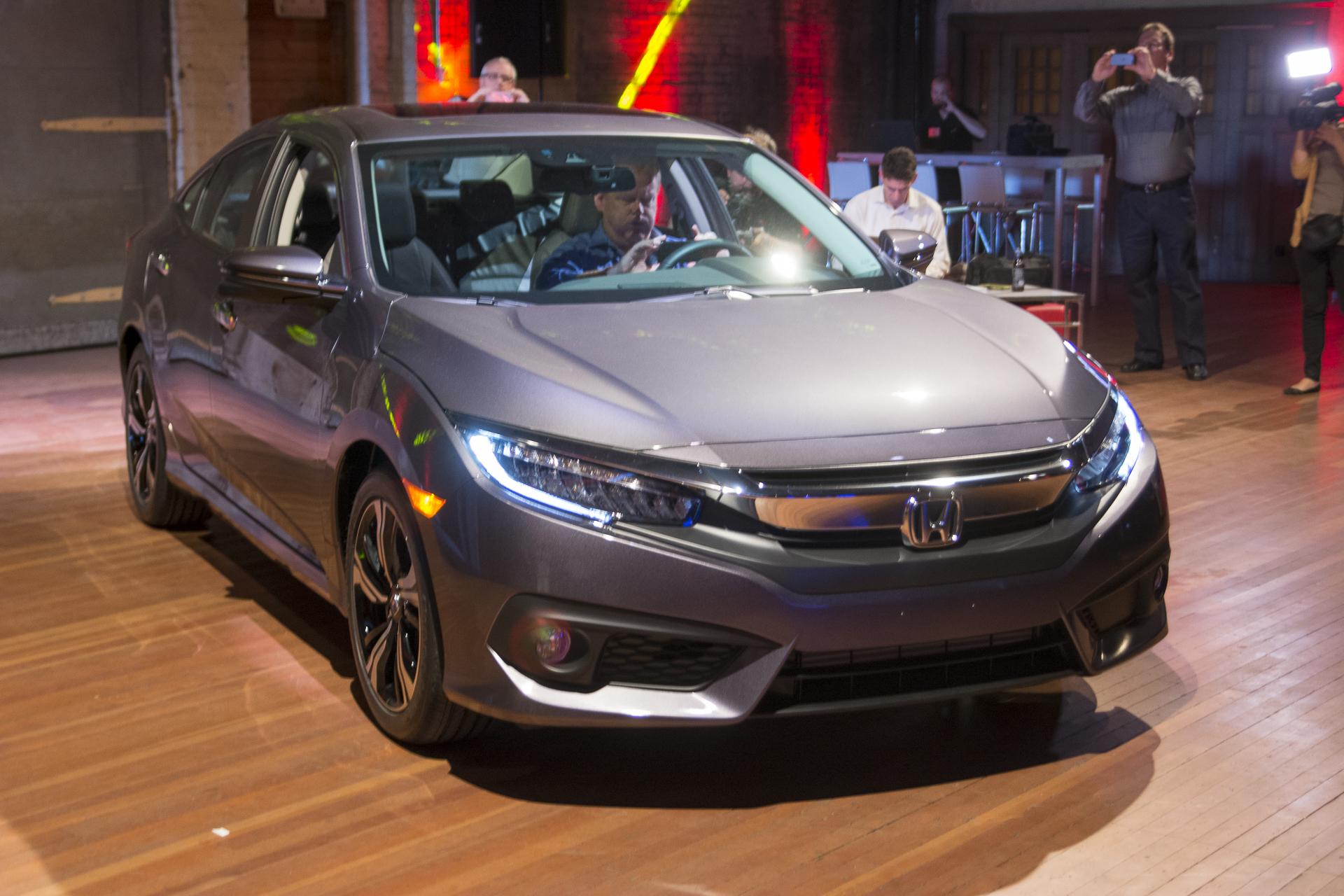 Работа над ошибками: Honda представляет Civic десятого поколения