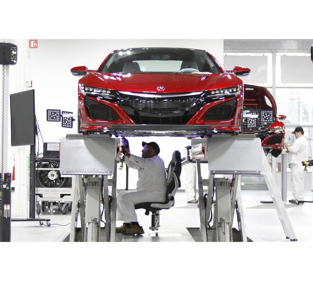 В апреле состоится запуск серийного производства суперкара NSX